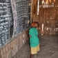 Elève au tableau d'une école Masaai