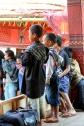 Enfants d'un village Toraja lors d'une cérémonie funéraire