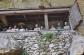 Statues de cire à l'entrée d'un Tombeau Toraja à Sulawesi